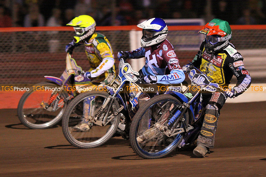 Heat 13: Chris Harris (green), Piotr Swiderski (blue) and Rory Schlein - Lakeside Hammers vs Coventry Bees - Sky Sports Elite League Speedway at Arena Essex Raceway, Purfleet - 22//08/09 - MANDATORY CREDIT: Gavin Ellis/TGSPHOTO - Self billing applies where appropriate - Tel: 0845 094 6026