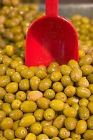 Afrique/Afrique du Nord/Maroc/Rabat: étal d'olives sur le marché central