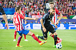 Karim Benzema (r) of Real Madrid fights for the ball with Gabriel Fernandez Arenas, Gabi, of Atletico de Madrid during their 2016-17 UEFA Champions League Semifinals 2nd leg match between Atletico de Madrid and Real Madrid at the Estadio Vicente Calderon on 10 May 2017 in Madrid, Spain. Photo by Diego Gonzalez Souto / Power Sport Images