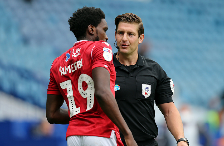 eferee Robert Jones has a word with Nottingham Forest's Sammy Ameobi<br /> <br /> Photographer Rich Linley/CameraSport<br /> <br /> The EFL Sky Bet Championship - Sheffield Wednesday v Nottingham Forest - Saturday 20th June 2020 - Hillsborough - Sheffield <br /> <br /> World Copyright © 2020 CameraSport. All rights reserved. 43 Linden Ave. Countesthorpe. Leicester. England. LE8 5PG - Tel: +44 (0) 116 277 4147 - admin@camerasport.com - www.camerasport.com