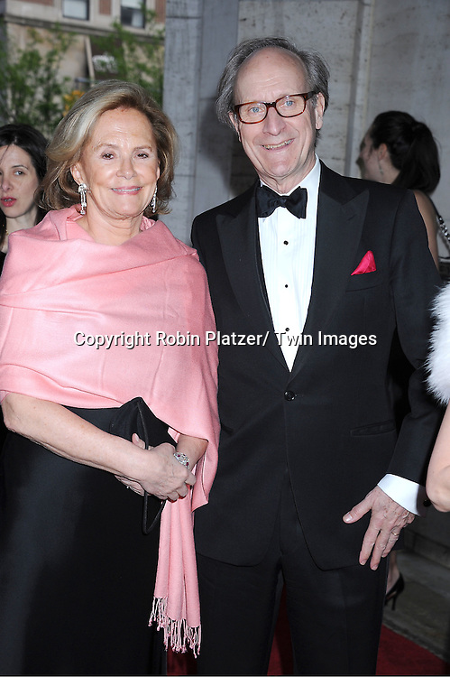 "Warren Hoge and guest arriving at The New York City Ballet's 2011 Spring Gala.at The David Koch Theatre at Lincoln on May 11, 2011 in New York City. The world premiere of Brecht/Weill's  ""The Seven Deadly Sins"" was the opening night performance."