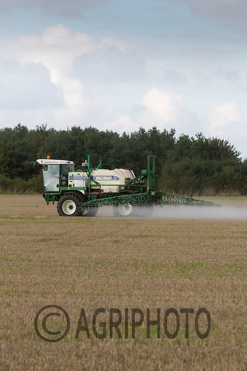 Spraying roundup on stubble <br /> Picture Tim Scrivener 07850 303986<br /> &hellip;.covering agriculture in the UK&hellip;.