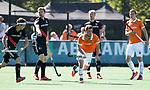 BLOEMENDAAL   - Hockey -  2e wedstrijd halve finale Play Offs heren. Bloemendaal-Amsterdam (2-2) . A'dam wint shoot outs. Sander 't Hart (Bldaal)  COPYRIGHT KOEN SUYK