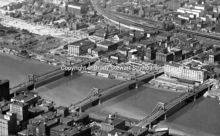 Pittsburgh PA:  Aerial view of the 3 sister bridges, 6th, 7th and 9th street bridges.  Construction on the bridges began in 1925 and the 7th and 9th were completed in 1926 and the 6th completed in 1928.