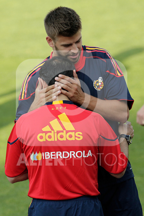 MADRID (24/05/09).- The Spanish Soccer national team has officially begun their hunt for the championship, arriving in the Madrid municipality of Las Rozas to begin preparing for South Africa World Cup.  Gerard Pique...PHOTO: Cesar Cebolla / ALFAQUI