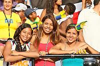ATENÇÃO EDITOR: FOTO EMBARGADA PARA VEÍCULOS INTERNACIONAIS - RECIFE,PE,09 SETEMBRO 2012 - TREINO SELEÇÃO BRASILEIRA - Torcedore do durante treino da seleção brasileira na tarde de hoje no Estadio do Arruda em Recife.FOTO ALE VIANNA - BRAZIL PHOTO PRESS.