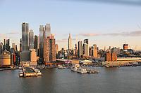 Blick auf Manhattan von der Norwegian Breakaway am Manhattan Cruise Terminal