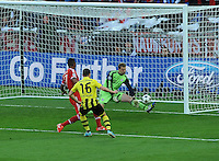 25.05.2013 London, England. Bayern Munich's Manuel Neuer makes a save from the shot of Jakub Blaszczykowski in the 2013 UEFA Champions League Final between Bayern Munich and Borussia Dortmund from Wembley Stadium. Picture Credit: Tommy Grealy/actionshots.ie