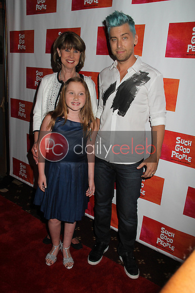 Lance Bass, Mom, Niece<br />