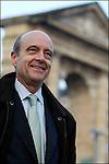 Alain Juppé en campagne pour les municipales 2008 / Place de la Victoire / Maire de Bordeaux réélu le 14 mars 2008 / 33 Gironde / Rég. Aquitaine / Alain Juppé Mayor of Bordeaux / Aquitaine / France
