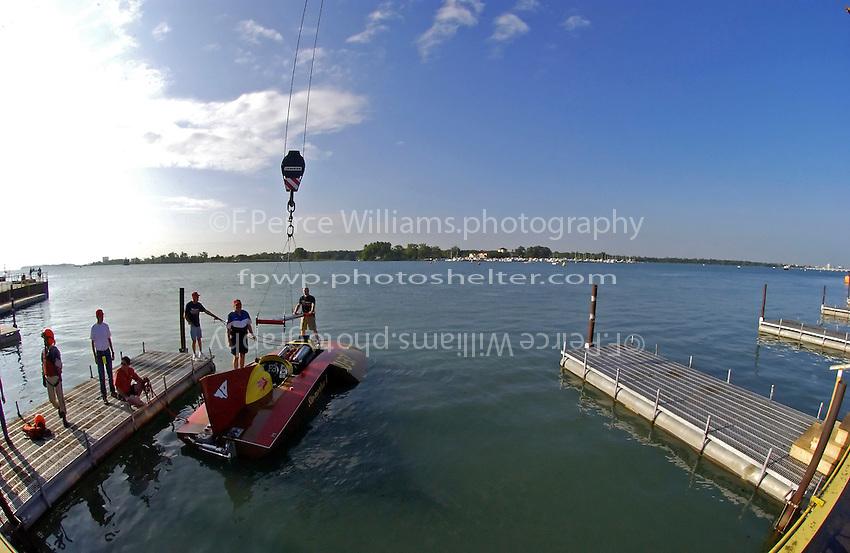"David Williams, U-37 ""Slo-Mo-Shun V"" at the dock."