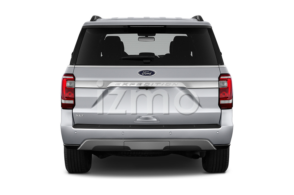 Straight rear view of 2019 Ford Expedition XLT 5 Door SUV Rear View  stock images