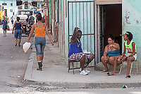 Heated discussion, Centro Habana