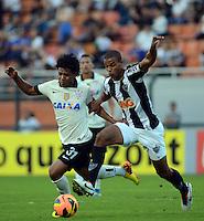SAO PAULO SP, 14 Julho 2013 - Corinthians x Atletico MG.   Lance com Romarinho  durante partida valida pela setima rodada do campeonato brasileiro de 2013  no Estadio do Pacaembu em  Sao Paulo, neste domingo , 14. (FOTO: ALAN MORICI / BRAZIL PHOTO PRESS).