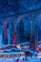 Europe, Allemagne, Bade-Württemberg, Forêt Noire, Env de Kirchzarten, Vallée de Höllental: Marché de Noël à la gorge de la Ravenna // Europe, Germany, Baden-Württemberg, Black Forest, Surroundings of Kirchzarten, Höllental Valley: Christmas Market in the Ravenna Gorge