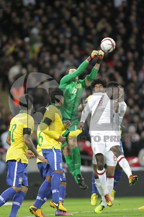 LONDRES, INGLATERRA, 06 DE FEVEREIRO 2013 - AMISOTOSO INGLATERRA X BRASIL - lance em partida amistosa entre Inglaterra x Brasil realizada no Estádio de Wembley, em Londres, Inglaterra, nesta quarta-feira. FOTO: GUILHERME ALMEIDA - BRAZIL PHOTO PRESS..