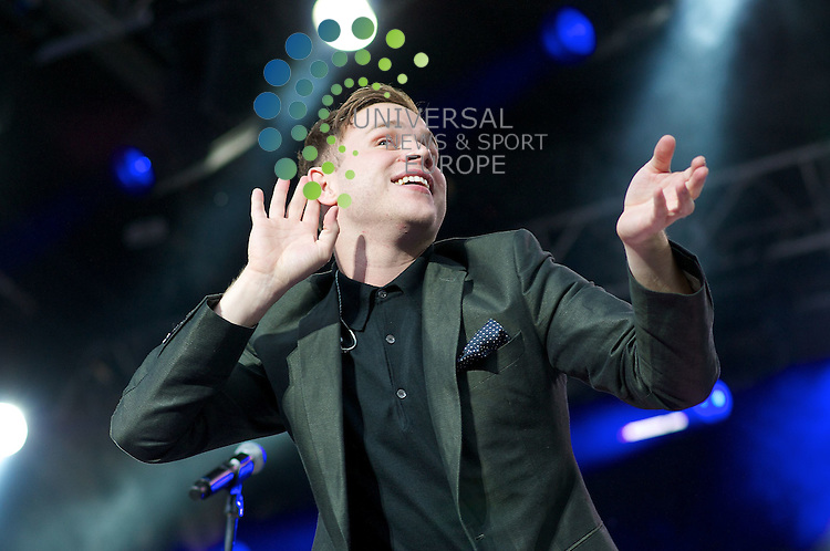 Olly Murs Plays Edinburgh Castle 20/07/12.Pictures by Bob Mather/Universal..All pictures must be credited to www.universalnewsandsport.com (Office) 0844 884 51 22