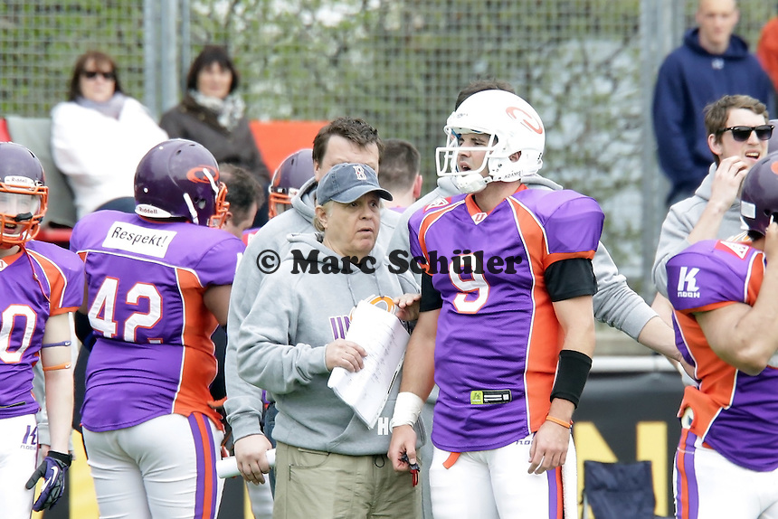 QB Chase Stangel (Universe) mit Head Coach John Rosenberg
