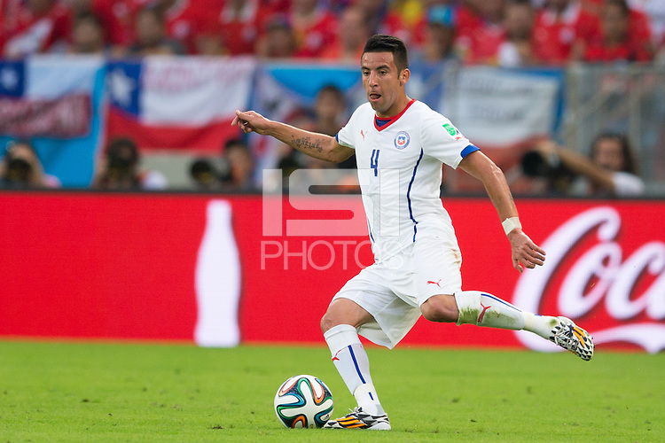 Mauricio Isla of Chile