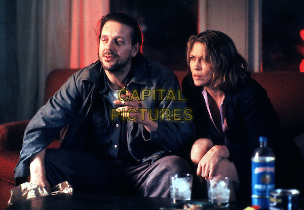 MICKEY ROURKE & FAYE DUNAWAY.in Barfly (1987).*Filmstill - Editorial Use Only*.CAP/STF/PEL.Supplied by Capital Pictures.