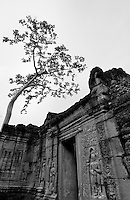 CAMBODIA 2007, BANTEY THOM TEMPLE, BLACK AND WHITE