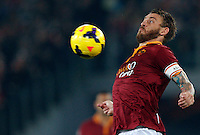 Calcio, Serie A: Roma vs ChievoVerona. Roma, stadio Olimpico, 31 ottobre 2013.<br /> AS Roma midfielder Daniele De Rossi controls the ball during the Italian Serie A football match between AS Roma and ChievoVerona at Rome's Olympic stadium, 31 October 2013.<br /> UPDATE IMAGES PRESS/Riccardo De Luca