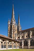 Europe/France/Aquitaine/64/Pyrénées-Atlantiques/Pays-Basque/Bayonne:  Cathédrale Sainte-Marie vue depuis le Cloître