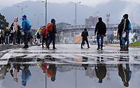 BOGOTA - COLOMBIA, 21-11-2019: Miles de manifestantes salieron a las calles de Bogotá para unirse a la jornada de paro Nacional en Colombia hoy, 21 de noviembre de 2019. La jornada Nacional es convocada para rechazar el mal gobierno y las decisiones que vulneran los derechos de los Colombianos. / Thousands of protesters took to the streets of Bogota to join the National Strike day in Colombia today, November 21, 2019. The National Strike is convened to reject bad government and decisions that violate the rights of Colombians. Photo: VizzorImage / Diego Cuevas / Cont