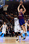 Turkish Airlines Euroleague 2018/2019. <br /> Regular Season-Round 16.<br /> FC Barcelona Lassa vs Darussafaka Tekfen Istanbul: 97-65.<br /> Michael Eric vs Rolands Smits.