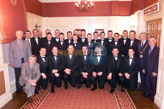 hte O'Raghallaighs Team and Officials with the Mayor Jimmy Mulroy at the Dinner Dance in the West Court Hotel..Picture Fran Caffrey Newsfile.