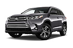 Stock pictures of low aggressive front three quarter view of 2018 Toyota Highlander LE-Plus 5 Door SUV Low Aggressive