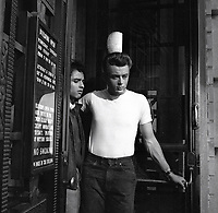 Rebel Without a Cause (1955) <br /> James Dean &amp; Sal Mineo<br /> *Filmstill - Editorial Use Only*<br /> CAP/KFS<br /> Image supplied by Capital Pictures