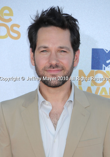 UNIVERSAL CITY, CA. - June 06: Paul Rudd arrives at the 2010 MTV Movie Awards at Gibson Amphitheatre on June 6, 2010 in Universal City, California.