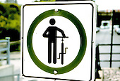 Walk your bicycle warning sign