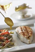 """Europe/France/Aquitaine/40/Landes/ Magescq : Saumon de l'Adour béarnaise recette de Jean  Cousseau   Chef du Restaurant """" Relais de  la Poste"""""""
