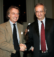 Il Presidente di Confindustria Luca Cordero di Montezemolo, a sinistra, stringe la mano al segretario del Partito Democratico Walter Veltroni durante un incontro a Roma, 7 febbraio 2008..President of italian Confindustria enterpreneurs association Luca Cordero di Montezemolo, left, shakes hands with the secretary of the Democratic Party Walter Veltroni during a meeting in Rome, 7 february 2008..UPDATE IMAGES PRESS/Riccardo De Luca