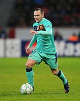 FUSSBALL   CHAMPIONS LEAGUE   SAISON 2011/2012   ACHTELFINALE  Bayer 04 Leverkusen - FC Barcelona              14.02.2012 Andres Iniesta (Barca) Einzelaktion am Ball