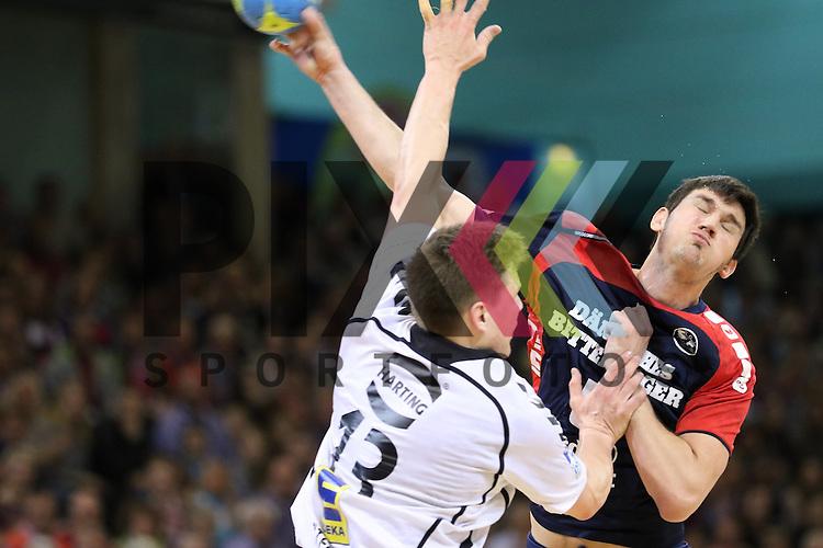 Flensburg, 05.04.2015, Sport, Handball, DKB Handball Bundesliga, Saison 2014/2015, GWD Minden - SG Flensburg-Handewitt : Dra&scaron;ko Nenadic (SG Flensburg-Handewitt, #5), Christoph Steinert (GWD Minden, #13)<br /> <br /> Foto &copy; P-I-X.org *** Foto ist honorarpflichtig! *** Auf Anfrage in hoeherer Qualitaet/Aufloesung. Belegexemplar erbeten. Veroeffentlichung ausschliesslich fuer journalistisch-publizistische Zwecke. For editorial use only.