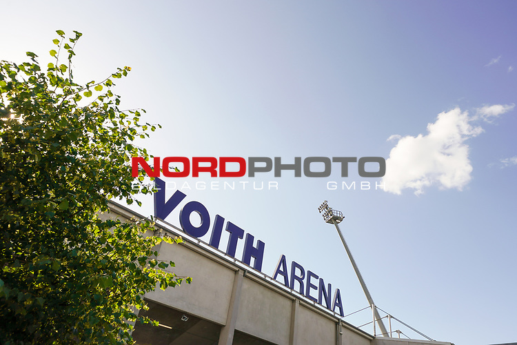 Voith Arena Heidenheim Schriftzug<br /> <br /> <br /> Sport: nphgm001: Fussball: 1. Bundesliga: Saison 19/20: Relegation 02; 1.FC Heidenheim vs SV Werder Bremen - 06.07.2020<br /> <br /> Foto: gumzmedia/nordphoto/POOL <br /> <br /> DFL regulations prohibit any use of photographs as image sequences and/or quasi-video.<br /> EDITORIAL USE ONLY<br /> National and international News-Agencies OUT.