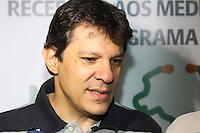 SÃO PAULO, SP - 22.02.2014 - RECEPÇÃO AOS MÉDICOS CUBANOS DO PROGRAMA MAIS MÉDICOS - O Prefeito da Cidade de São Paulo, Fernando Haddad, recepcionou cerca de 100 médicos cubanos, do Programa Mais Médicos, na sede da Prefeitura de São Paulo, região central da capital paulista, na manhã deste sábado, 22. (Foto: Geovani Velasquez / Brazil Photo Press)