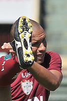 SÃO PAULO, SP, 21 DE JANEIRO DE 2014 -  ESPORTES - FUTEBOL - TREINO DA PORTUGUESA - Valdomiro.  Durante treino no estádio do Canindé, preparação para partida entre a equipe do Ituano. FOTOS: Dorival Rosa/Brazil Photo Press).