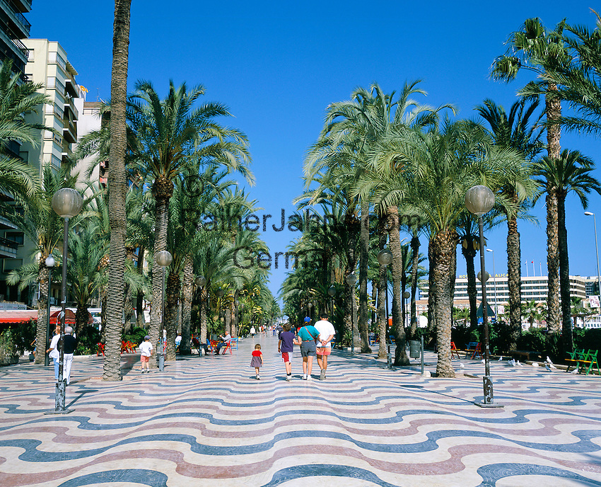 Spain, Costa Blanca, Alicante: La Explanada de Espana, also known as Paseo de la Explanada   Spanien, Costa Blanca, Alicante: La Explanada de Espana, auch bekannt als Paseo de la Explanada