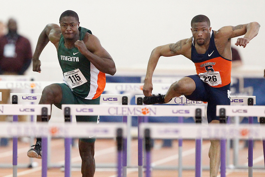 Miami's Artie Burns (115) Syracuse's Donald Pollitt (226)