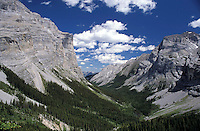 CANADA, ALBERTA, KANANASKIS, MAY 2002. The ribbon Falls Trail runs through a beautiful glacial valley. The Kananaskis Country provincial park is home to Canada's most beautiful nature and wildlife. It has also escaped the mass tourism as in Banff National Park. Photo by Frits Meyst/Adventure4ever.com