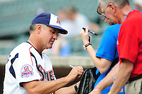 Ryne Sandberg signs for fans at Smokies Park in Sevierville, TN May 21, 2009 (Photo by Tony Farlow/ Four Seam Images)