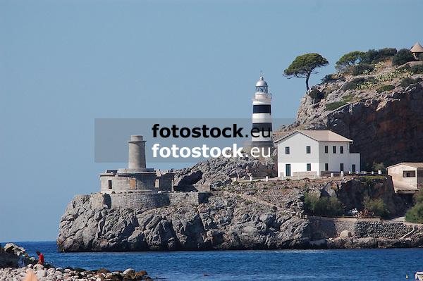 Lighthouses of Puerto de Soller<br /> <br /> Faros de Puerto de S&oacute;ller (Port Soller)<br /> <br /> Leuchtt&uuml;rme von Puerto de S&oacute;ller<br /> <br /> 3008 x 2000 px<br /> 150 dpi: 50,94 x 33,87 cm<br /> 300 dpi: 25,47 x 16,93 cm