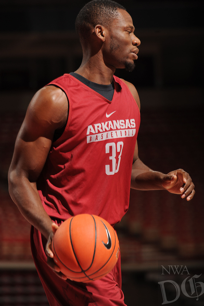 NWA Democrat-Gazette/ANDY SHUPE<br /> Arkansas' Moses Kingsley participates in practice Wednesday, Oct. 5, 2016, in Bud Walton Arena. Visit nwadg.com/photos to see more photos from Media Day and practice.