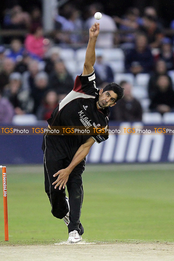 Geemal Hussain in bowling action for Somerset - Essex Eagles vs Somerset - Friends Life T20 cricket at the Ford County Ground, Chelmsford - 15/06/11 - MANDATORY CREDIT: Gavin Ellis/TGSPHOTO - Self billing applies where appropriate - Tel: 0845 094 6026