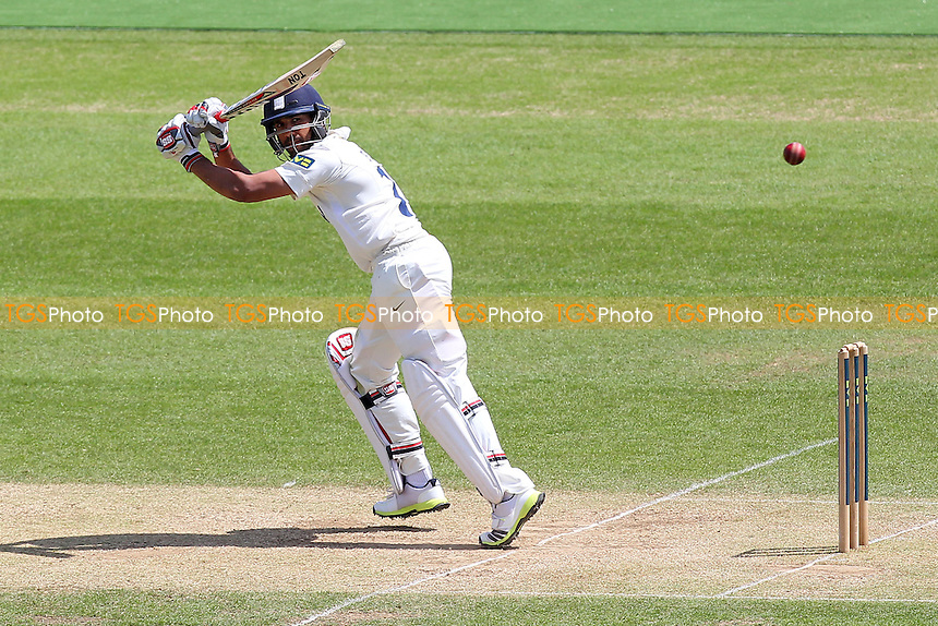 Ravi Bopara in batting action for Essex - Hampshire CCC vs Essex CCC - LV County Championship Division Two Cricket at the Ageas Bowl, West End, Southampton - 17/06/14 - MANDATORY CREDIT: Gavin Ellis/TGSPHOTO - Self billing applies where appropriate - 0845 094 6026 - contact@tgsphoto.co.uk - NO UNPAID USE