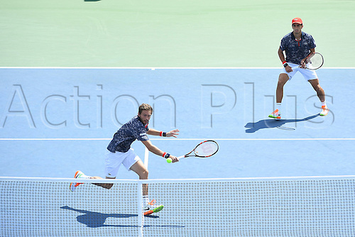 04.09.2016. Flushing Meadows, New York, USA. US Open 2016 Grand Slam tennis tournament.  Pierre Hugues Herbert (FRA) and Nicolas Mahut (FRA) beats Chardy and Groth in 3 sets